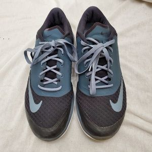 Black and Gray Nike Fitsol size 8 med